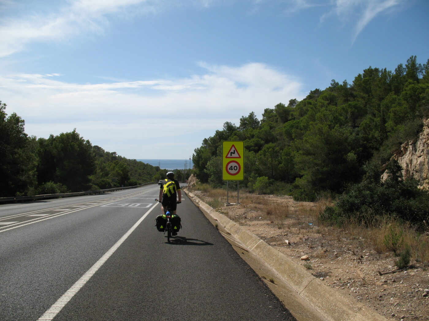Cykler på en spansk landevej